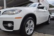 BMW  2011 автомобиль